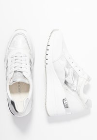 Marco Tozzi - LACE UP - Joggesko - white - 3