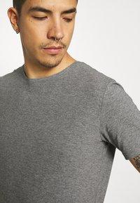 Matinique - JERMANE 3 PACK - Basic T-shirt - black/grey/olive - 7