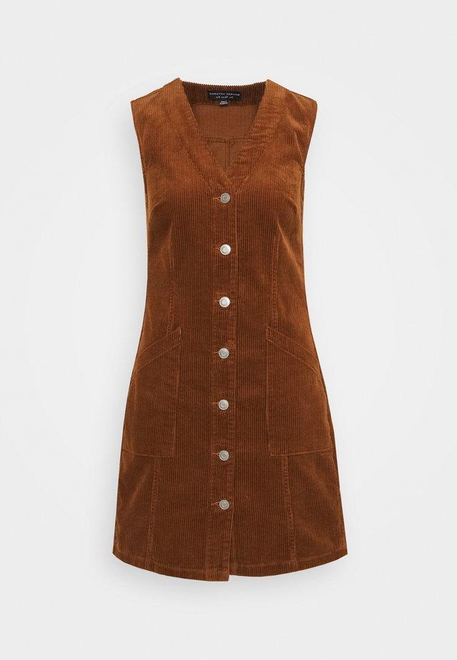 BUTTON DOWN V NECK PINNY - Day dress - tan