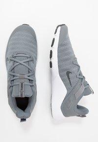 Nike Performance - LEGEND ESSENTIAL - Gym- & träningskor - smoke grey/dark smoke grey/particle grey - 1