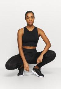 Even&Odd active - Sports-BH-er med lett støtte - black - 1