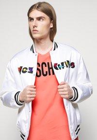 MOSCHINO - Print T-shirt - pink - 3
