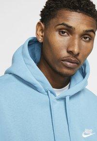 Nike Sportswear - CLUB HOODIE - Hættetrøjer - cerulean/cerulean/white - 3