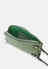 Seidenfelt - MOSS - Across body bag - matcha green - 2