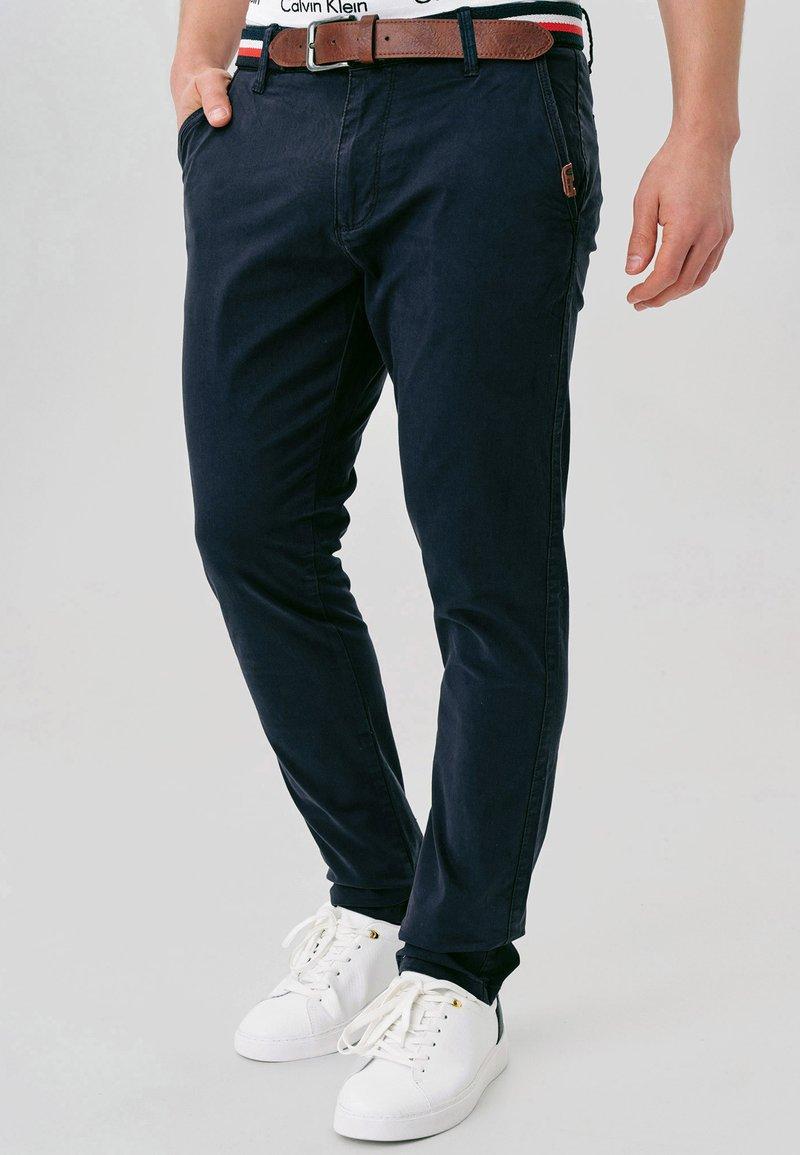 INDICODE JEANS - CHERRY - Pantalones chinos - navy