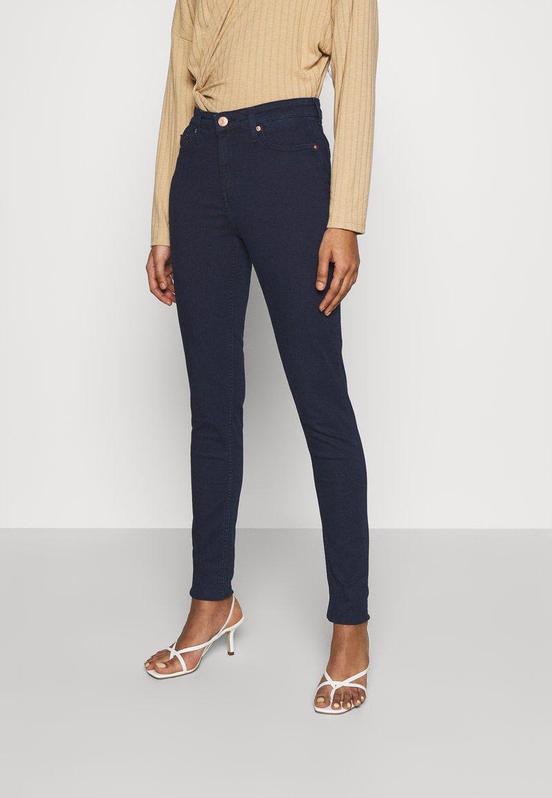 Tommy Jeans - NORA SKINNY - Jeans Skinny Fit - denim
