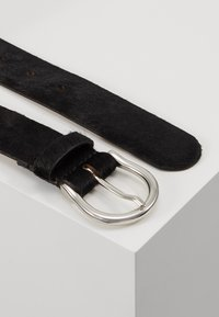 CLOSED - BELT - Gürtel - black - 2