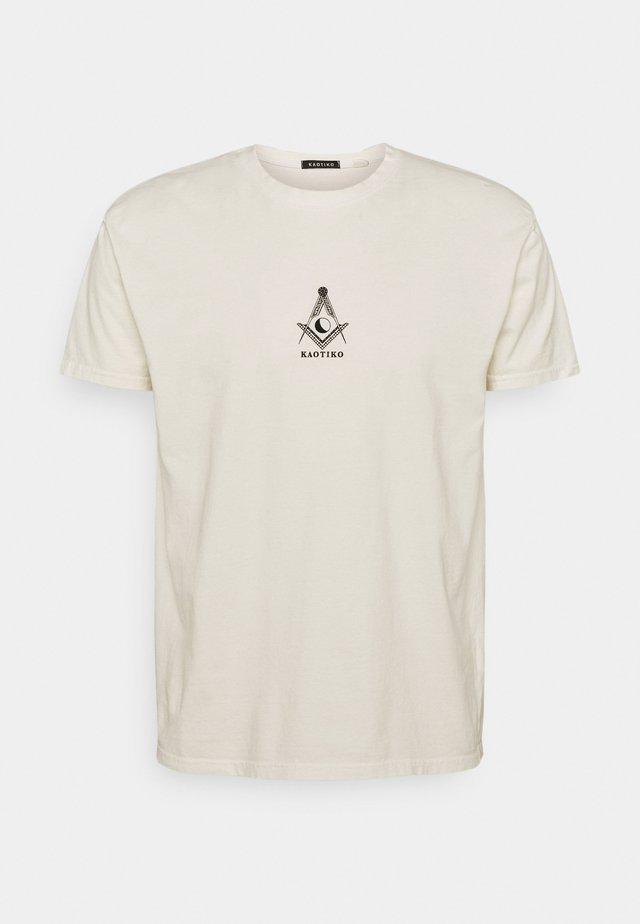 MASON - T-shirt med print - marfil