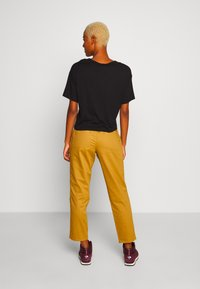 The North Face - MOTION ANKLE  - Trousers - british khaki - 2