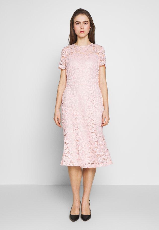 KAMI DRESS - Vapaa-ajan mekko - pink macaron