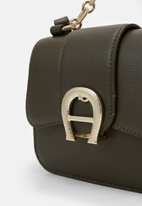 AIGNER - Kabelka - country green - 3