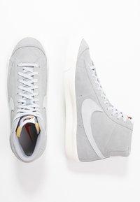 Nike Sportswear - BLAZER MID '77 UNISEX - High-top trainers - wolf grey/pure platinum/sail - 2
