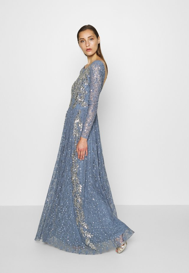 MAXI DRESS WITH SCOOP BACK AND EMBELLISHMENT - Galajurk - dusty blue
