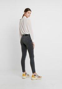 Selected Femme - SLFIDA SMOKE - Jeans Skinny Fit - black denim - 2