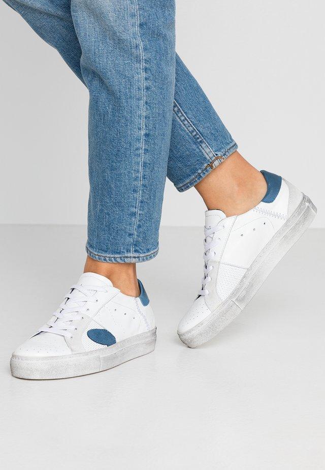 FAME - Matalavartiset tennarit - white/jeans