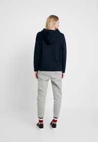 Tommy Hilfiger - HERITAGE PANTS - Joggebukse - light grey - 2