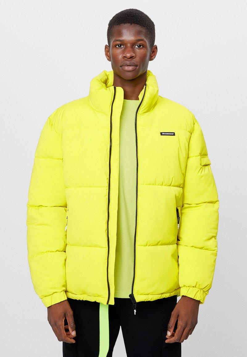 Bershka - Winter jacket - green