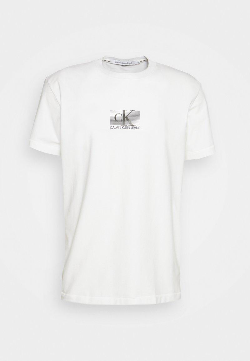 Calvin Klein Jeans - SMALL BOX STRIPE TEE UNISEX - Printtipaita - white