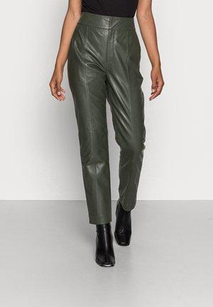 CADIX PANT - Pantalon en cuir - green olive