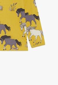 Walkiddy - Langærmede T-shirts - dark yellow - 3