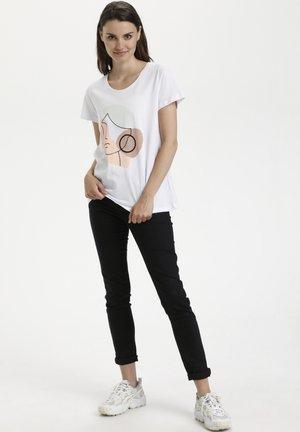 KAALVIE - T-shirt imprimé - optical white w multi c face