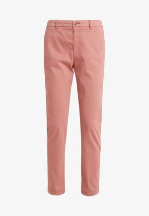 SACHINI - Chino kalhoty - pastel red