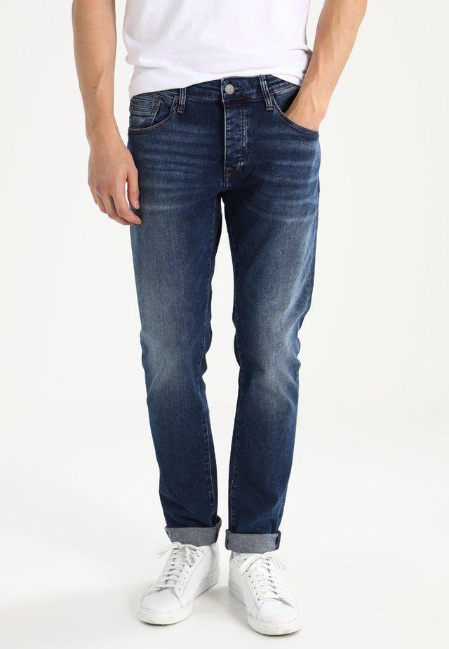 YVES - Straight leg jeans - mid indigo comfort