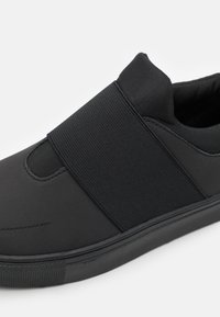YOURTURN - UNISEX - Sneakers basse - black - 5