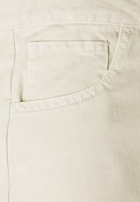 Henrik Vibskov - STAY PANTS - Trousers - stone garment dye - 2
