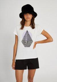 Volcom - RADICAL DAZE TEE - Print T-shirt - star_white - 3