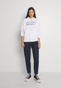 Levi's® - HIGH WAISTED MOM JEAN - Jeans Tapered Fit - ocean - 1