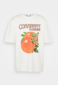 Holzweiler - SALT TOMATO TEE - Print T-shirt - ecru - 0