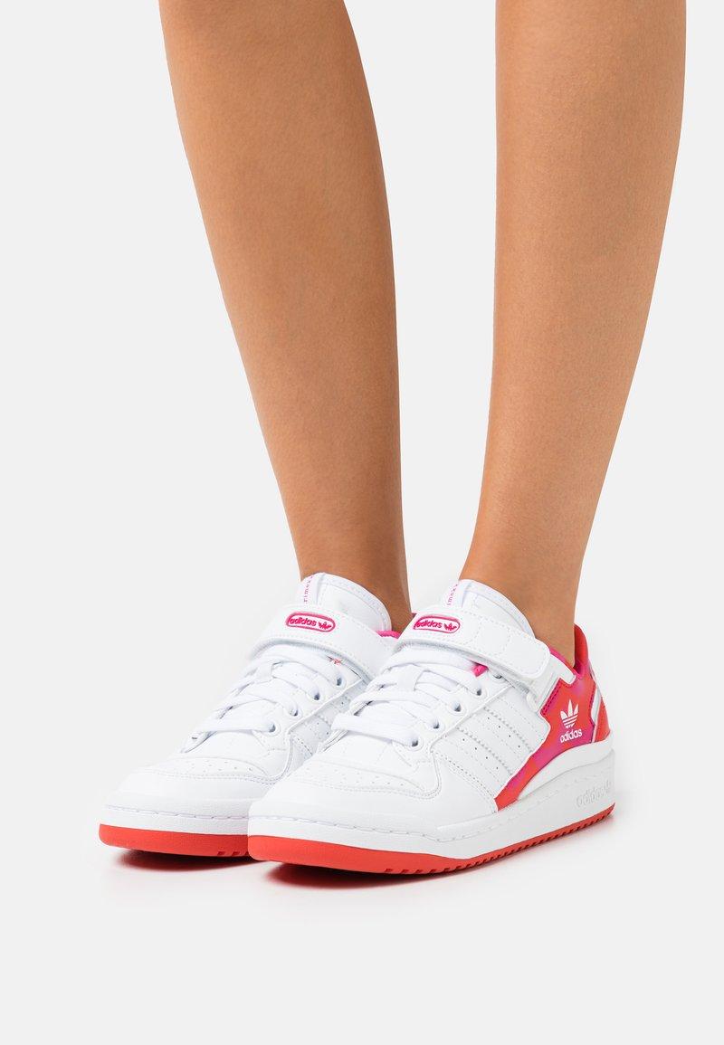 adidas Originals - FORUM LOW ORIGINALS PRIMEGREEN SNEAKERS SHOES - Trainers - pink