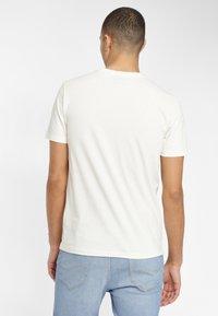 Lee - TEE - T-shirt basique - glow orange - 2