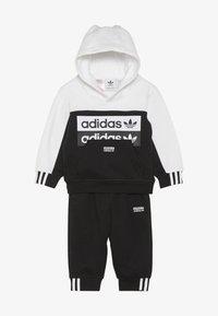 adidas Originals - HOODIE SET - Mikina skapucí - black/white - 3