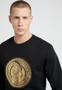 Versace Jeans Couture - FELPE UOMO - Sweatshirt - nero - 4