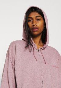 BDG Urban Outfitters - ZIP THROUGH HOODIE - Zip-up sweatshirt - bubble gum - 4