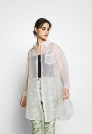 THE OVERSIZED SHIRT - Košile - white