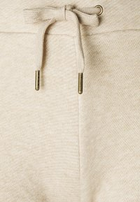 Guess - SHORT PANT - Pyjama bottoms - light brown melange - 2