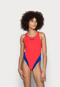 Arena - SOLID SWIM HIGH - Swimsuit - fluo red/neon blue - 0
