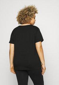 Missguided Plus - 2 PACK TEE - Basic T-shirt - black - 2