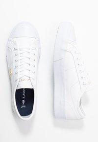 Lacoste - ZIANE PLUS GRAND - Trainers - white - 3