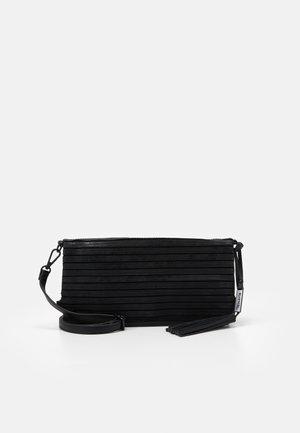 BARBARA - Across body bag - black