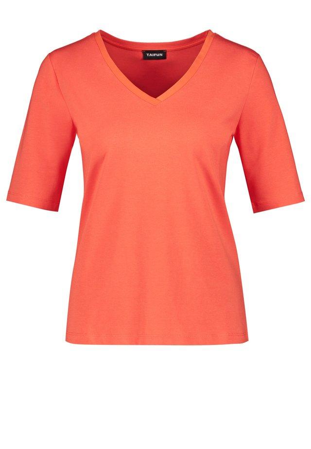 MIT V-AUSSSCHNITT - Long sleeved top - tigerlilly orange