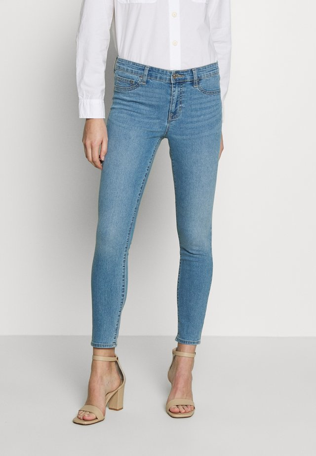FAVORITE RINSE - Jeansy Skinny Fit - light indigo