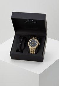 Armani Exchange - SET - Zegarek - gold-coloured - 4