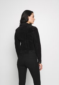 Vero Moda - VMROYCESALON SHORT JACKET - Leather jacket - black - 2