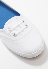 Keds - TEACUP - Sneakersy niskie - white - 2