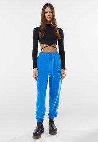 Bershka - Pantaloni sportivi - blue - 1