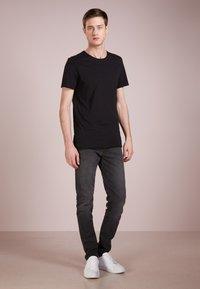 DRYKORN - KENDRICK - T-shirt basic - black - 1